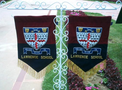 Banners on the lawns...