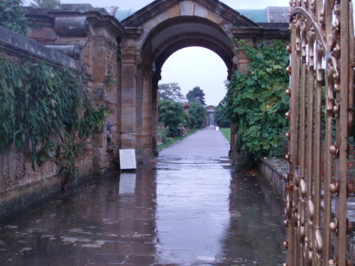 Archway through to the gardens
